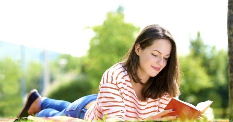 wakacyjny kurs językowy: nauka języka w wakacje