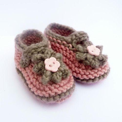 wełniane buciki, buciki dla dzieci, buciki dla niemowląt, buty dla dzieci