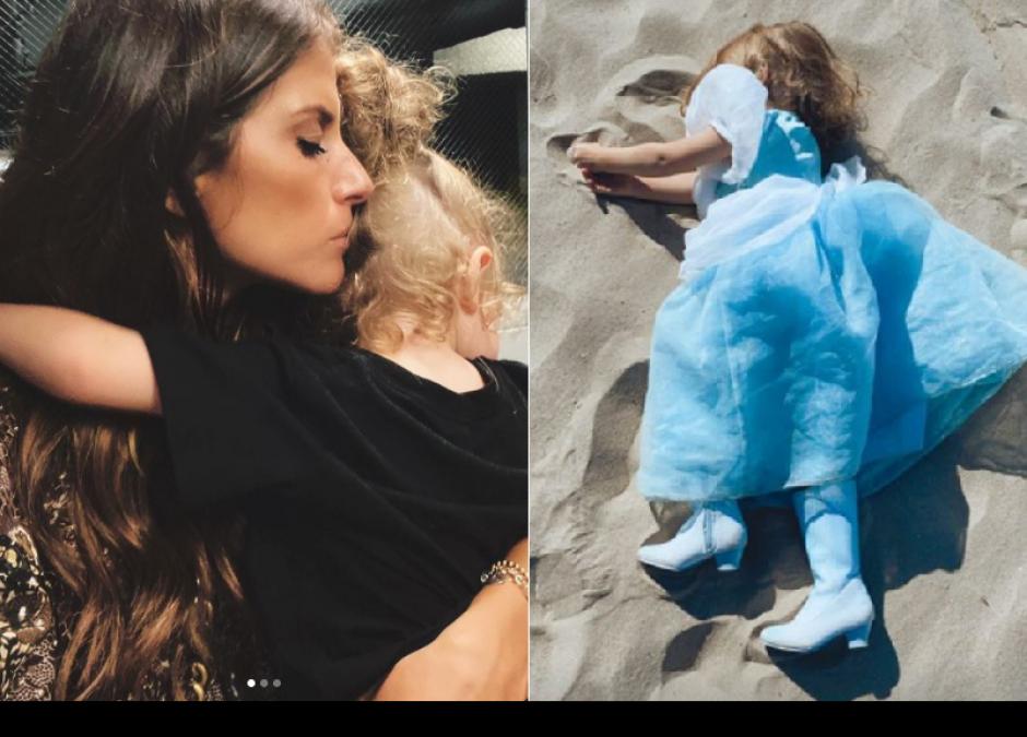 Weronika Rosati z córką na plaży