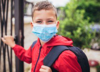 Większość dzieci zaraziło się koronawirusem w szkołach lub przedszkolach