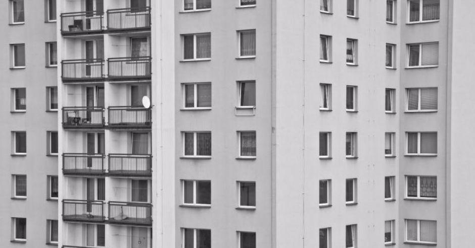 Wielopiętrowy blok mieszkalny