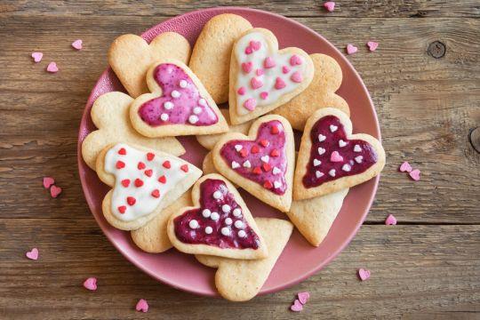 własnoręczne upominki dla babci i dziadka ciasteczka serduszka