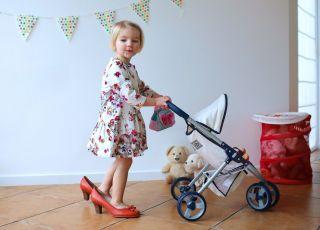 Wózki dla lalek: lepsze spacerowe czy głębokie?