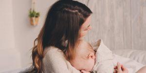 Współczesna matka Polka z dzieckiem
