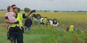 wypadek samochodowy, policjant, dziecko, dziewczynka, odwrócenie uwagi od wypadku