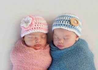 wyprawka dla dziecka, wyprawka dla noworodka, kolory, niebieski dla chłopca, różowy dla dziewczynki