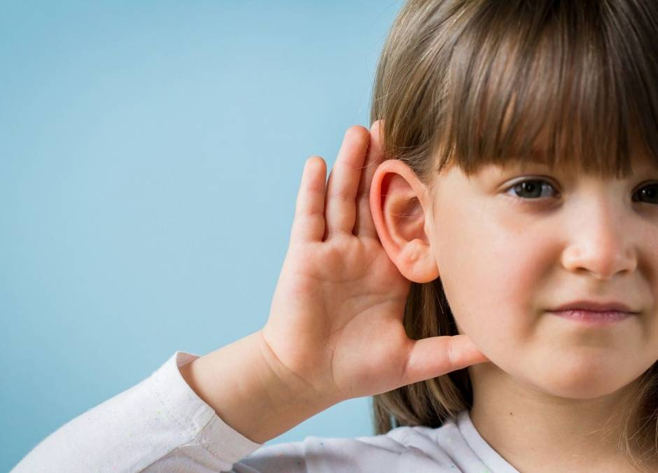 wysiękowe zapalenie ucha