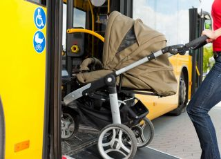 Z wózkiem w komunikacji miejskiej