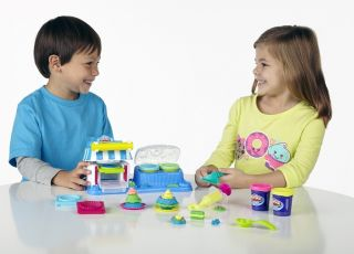 Zabawa ciastoliną/ Play-Doh