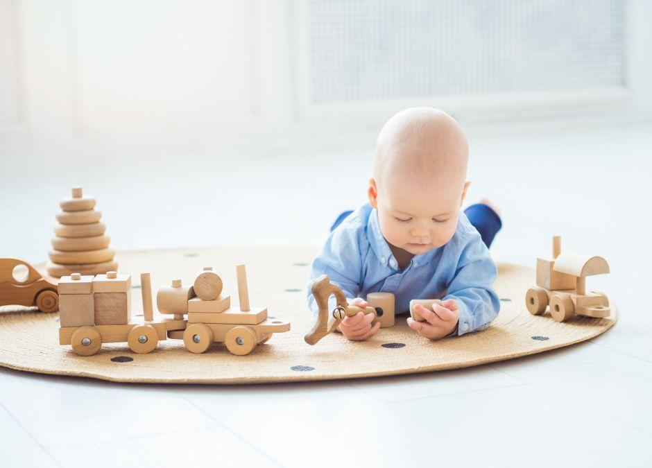 zabawki drewniane na roczek