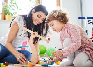 15 pomysłów na edukacyjny prezent dla 2-latka