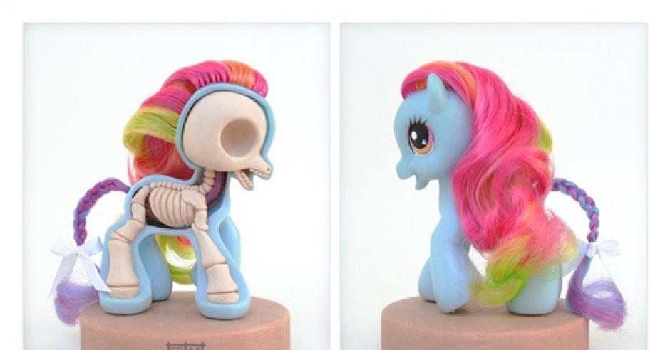 zabawki, kucyk ponny, szkielet