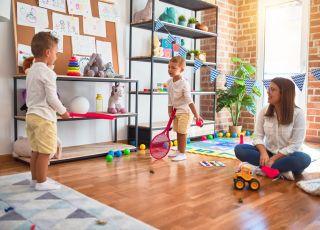 zabawy ruchowe dla dzieci w domu