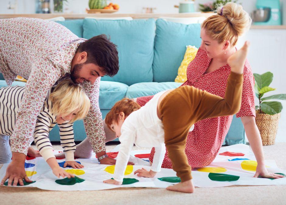 Zabawy na Dzień Chłopaka: fajne i śmieszne aktywności dla dzieci