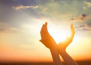 zachód słońca, dłonie