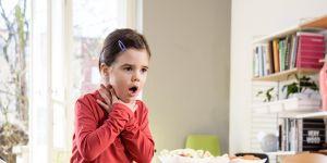 zadławienie dziecka powyżej pierwszego roku życia