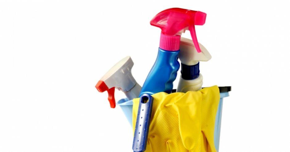 zagrożenia w ciąży, środki czystości, sprzątanie domu,