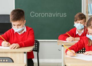 zamknąć szkoły z powodu koronawirusa