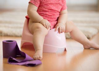 Jak pomóc, kiedy niemowlę ma zaparcia?