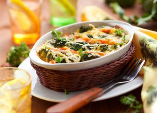 zapiekanka, makaron, brokuły, warzywa, mięso