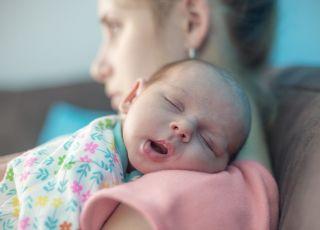 zarzuty dla matki potrząsającej dzieckiem