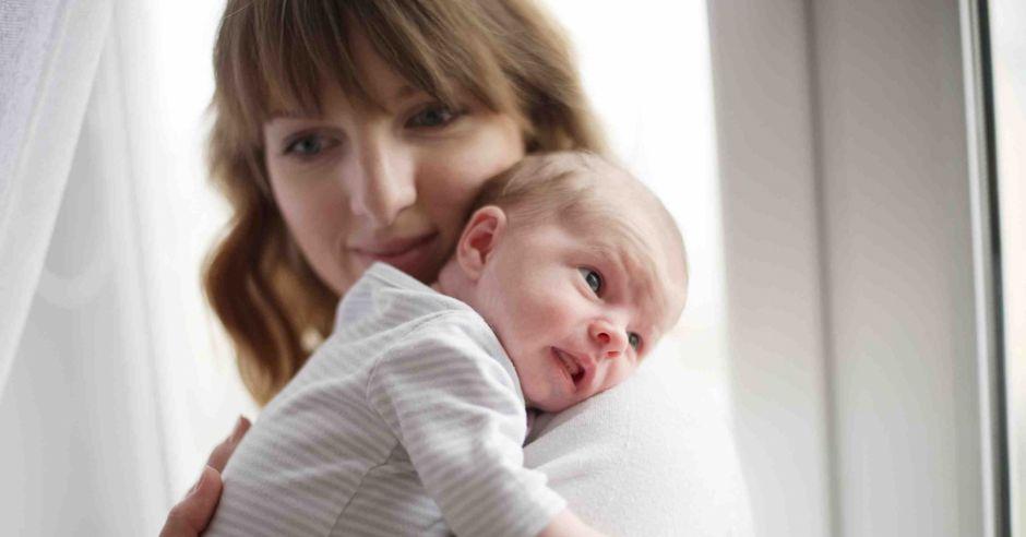 zdrowy noworodek, badania noworodka, infekcje noworodka, skala apgar, badania przesiewowe, badanie neonatologa