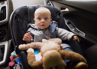 Jak zadbać o bezpieczeństwo dziecka w foteliku? Posłuchaj rad innej mamy!