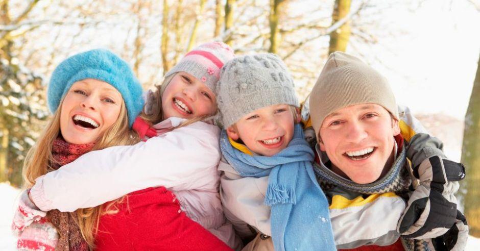 zima, rodzina, zabawa, mama, tata, dzieci
