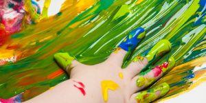 zmysł-dotyku-malowanie-palcami