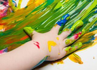 Rozwijamy zmysł dotyku – 10 zabaw dla dzieci