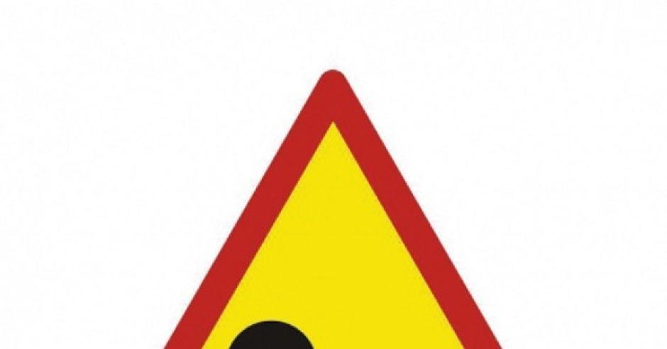 znak zdrogowy z dzieckiekm w pieluszce