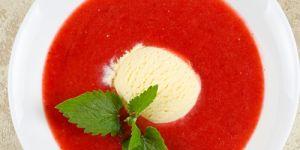 zupa, kisiel, zupa owocowa, zupa malinowa, maliny, truskawki, mus