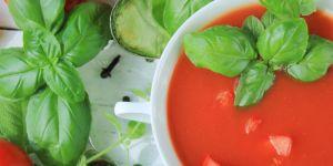 zupa pomidorowa, pomidory, bazylia, potrawa, danie, jedzenie, kuchnia