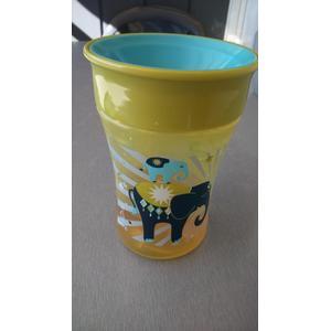 Magic Cup, Magiczny Kubek Niekapek marki Nuk - zdjęcie nr 1 - Bangla