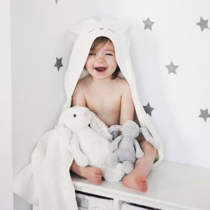Bambusowy ręcznik dla niemowlaków – króliczek marki SamiBoo - zdjęcie nr 1 - Bangla