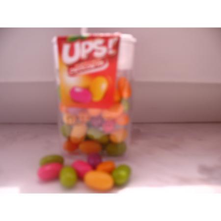 UPS! Drażetki o smaku owocowym marki Biedronka - zdjęcie nr 1 - Bangla