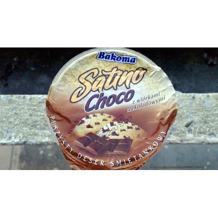 Satino Choco, Deser mleczny o smaku czekoladowym lub śmietankowym z wiórkami czekoladowymi marki Bakoma - zdjęcie nr 1 - Bangla
