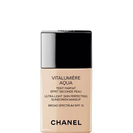 VITALUMIERE AQUA, Ultra-Light Skin Perfecting Sunscreen Makeup, podkład marki Chanel - zdjęcie nr 1 - Bangla